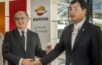 Rafael Correa y Antonio Brufau