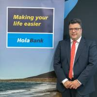 CaixaBank lanza HolaBank