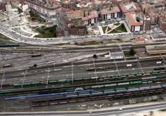Fomento quiere potenciar los trenes de carga y privatizar Renfe ...