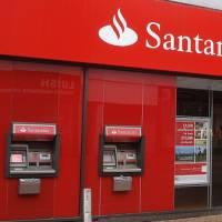 El 40 de los cajeros de santander ya permite la retirada for Santander cajeros madrid