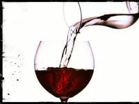 Echar agua al vino
